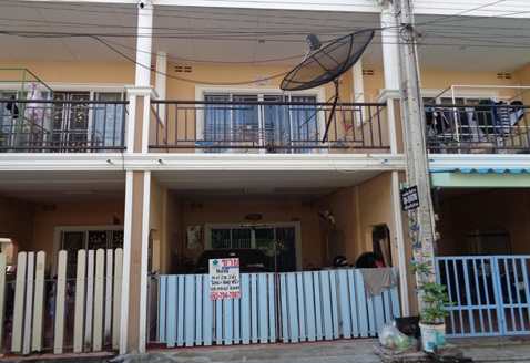 ขายทาวน์เฮ้า 2 ชั้น พื้นที่16 คร.ว  หมู่บ้านอีสแลนด์แอนด์เฮ้าส์ การเดินทางสะดวก ใกล้อมตะนคร ราคานี้พร้อมโอน และจัดกู้ฟรี